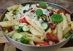 Salata de paste cu rosii uscate