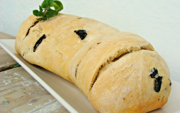 paine greceasca cu masline