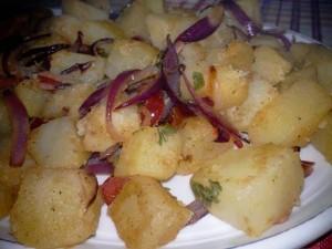salata de cartofi calda