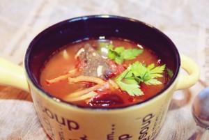 supa de rosii cu ciuperci uscate