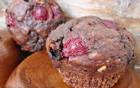 Muffins cu visine si ciocolata