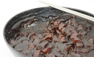 porc cu pasta de fasole neagra1