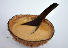 Supa crema de cartof dulce, cocos si curry rosu