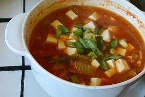 Supa de kimchi cu porc si tofu3