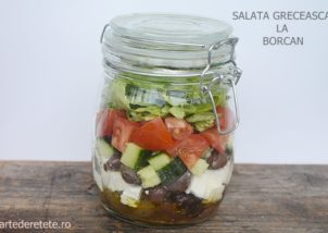 Salata greceasca la borcan1