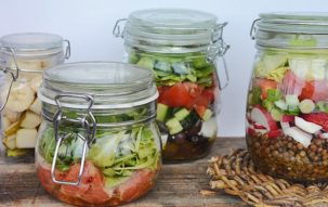 Cum se face salata la borcan