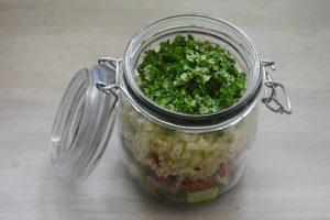 Salata to go cu cuscus2