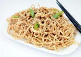 noodles cu unt de arahide