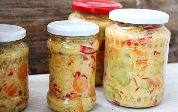 Salata de legume cu sos de mustar
