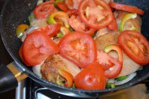 pulpe-de-pui-cu-legume-la-tigaie9