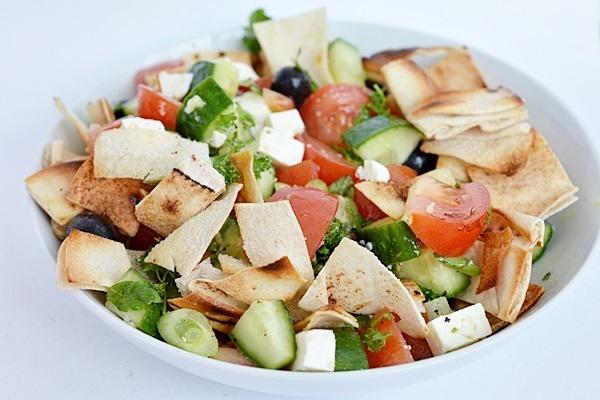 salata libaneza Fattoush