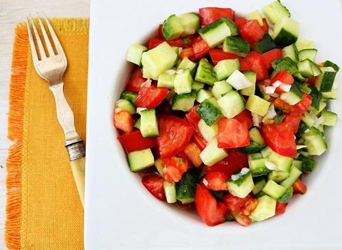 salata cu legume si menta