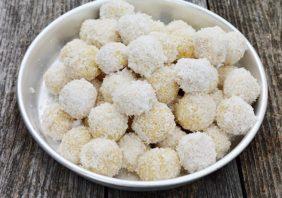 Fursecuri bilute cu nuca de cocos