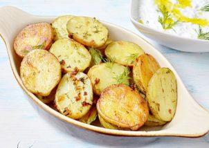 Cartofi noi cu usturoi si marar